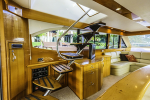 60' Maritimo M60 Convertible Sportfish 2007 Stairs to Flybridge