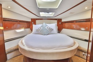 54' Meridian Sedan Bridge 2011 VIP Stateroom