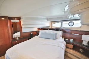 54' Meridian Sedan Bridge 2011 Master Stateroom