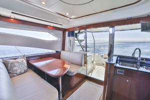 54' Meridian Sedan Bridge 2011 Salon Dinette