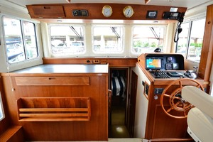 Nordic-Tugs-Flybridge-2005-Trident-Cocoa-Florida-United-States-Helm-Area-1085928