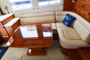 Nordic-Tugs-Flybridge-2005-Trident-Cocoa-Florida-United-States-Custom-Dining-Table-Open-1085921