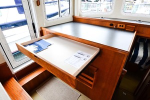 Nordic-Tugs-Flybridge-2005-Trident-Cocoa-Florida-United-States-Chart-Table-and-Storage-1085929