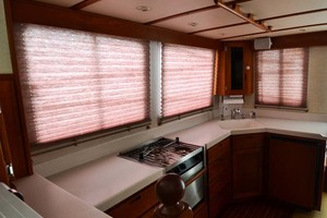 Nordic-Tugs-Flybridge-2005-Trident-Cocoa-Florida-United-States-Salon-Shades-Stbd-1085922