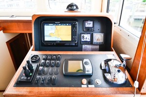 Nordic-Tugs-Flybridge-2005-Trident-Cocoa-Florida-United-States-Lower-Helm-Controls-1085934