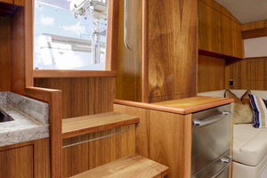 45' Hatteras 45 Express No Tower 2019 Cabin Entry