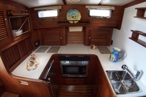 36' Sabre Express MK ll 2000 U Shaped Galley
