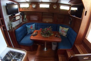 36' Sabre Express MK ll 2000 Settee to Stbd Oposite Galley