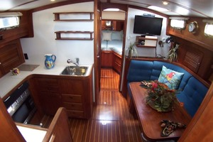 36' Sabre Express MK ll 2000 Cabin From Stairs