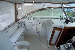 36' Sabre Express MK ll 2000 Bridgedeck to Port