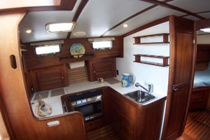 36' Sabre Express MK ll 2000 Galley to Port