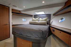 60' Hatteras M60 2019 Bow Stateroom
