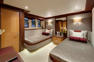 DREAM WEAVER is a Christensen 1990 Yacht For Sale in Fort Lauderdale-Guest Stateroom 3-34