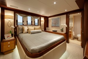 DREAM WEAVER is a Christensen 1990 Yacht For Sale in Fort Lauderdale-Guest 1-30