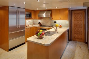 DREAM WEAVER is a Christensen 1990 Yacht For Sale in Fort Lauderdale-Galley-26