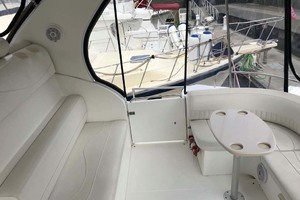 44' Cruisers Yachts 4450 2002 Aft Deck Starboard