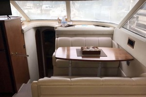 44' Cruisers Yachts 4450 2002 Dinette Looking Forward