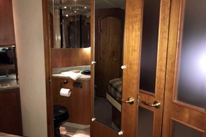 44' Cruisers Yachts 4450 2002 Master Stateroom Private Entry to Head