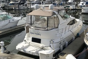 44' Cruisers Yachts 4450 2002 Starboard Profile
