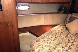 44' Cruisers Yachts 4450 2002 Forward Stateroom Port