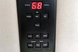 44' Cruisers Yachts 4450 2002 AC - Typical Cruisair Zone Controller