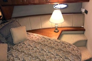 44' Cruisers Yachts 4450 2002 Forward Stateroom Starboard
