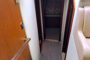 44' Cruisers Yachts 4450 2002 Stairs to Forward and Mid-Staterooms