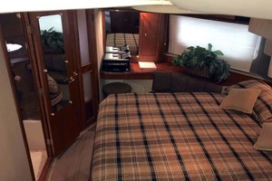 44' Cruisers Yachts 4450 2002 Master Stateroom Looking Starboard