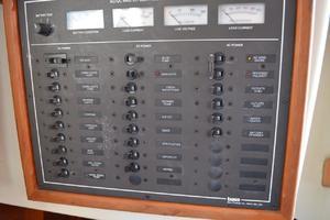 36' Bristol 35.5 C/B 1995