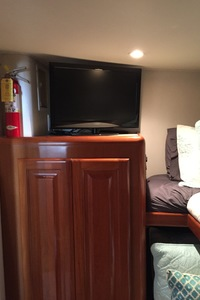 58' Viking Sport Fish 1998 GUEST STATEROOM