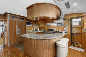 110' Horizon Tri-deck Motoryacht 2007 GALLEY