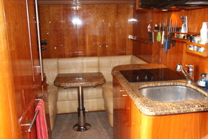 110' Horizon Tri-deck Motoryacht 2007 CREW GALLEY
