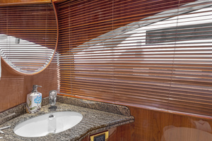 110' Horizon Tri-deck Motoryacht 2007 DAY HEAD