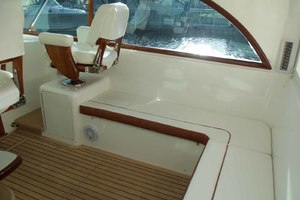 47' Jersey Cape Hardtop Express Sf 2013 Helm Deck Seating Starboard