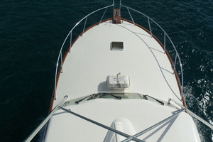 47' Jersey Cape Hardtop Express SF 2013 Bow