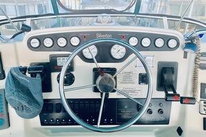 37' Silverton 372 1997