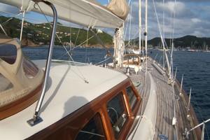 92' Vitters Performance Cruiser 1999 Starboard Side Deck