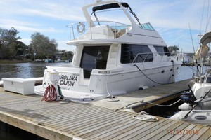 45' Carver 450 Voyager Pilothouse 1999 Starboard Aft Quarter at the Dock