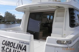 45' Carver 450 Voyager Pilothouse 1999 Convenient Entrance on the Cockpit