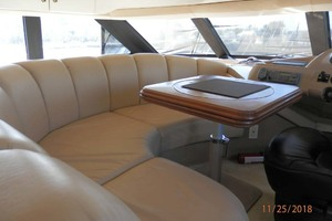 45' Carver 450 Voyager Pilothouse 1999 Comfortable Seating in Cabin Helm