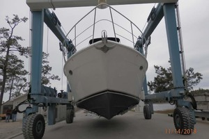 45' Carver 450 Voyager Pilothouse 1999 Bow View