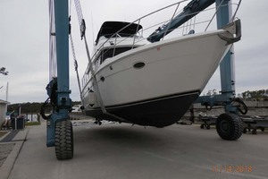 45' Carver 450 Voyager Pilothouse 1999 Starboard Bow