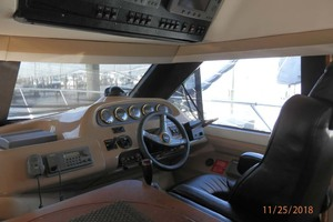 45' Carver 450 Voyager Pilothouse 1999 Pilothouse Helm