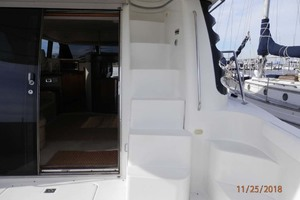 45' Carver 450 Voyager Pilothouse 1999 Stairs to Flybridge
