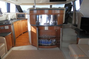 45' Carver 450 Voyager Pilothouse 1999 Main Salon