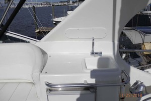 45' Carver 450 Voyager Pilothouse 1999 Sink Location on Starboard Side of Helm