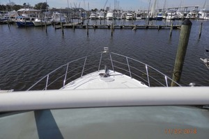 45' Carver 450 Voyager Pilothouse 1999 Flybridge Bow View