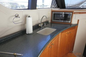 45' Carver 450 Voyager Pilothouse 1999 Beautiful Counter and View from the Salon