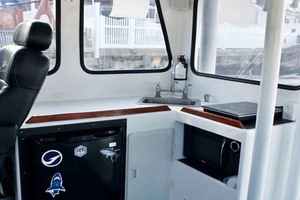 40' Willis Beal RP40 2003 Galley
