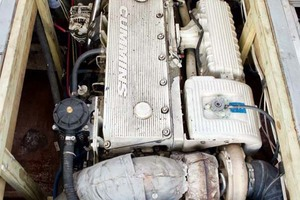 40' Willis Beal RP40 2003 Engine
